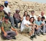 El equipo de arqueólogos y trabajadores municipales. Foto: Paco Espadas