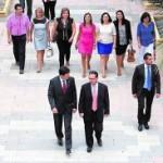 Bascuñana y el alcalde Cerón seguidos por la corporación ayer. :: P.E.