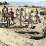 Un grupo de alumnos, en las excavaciones que se han realizado en el yacimiento de Villaricos. :: J. L. P.